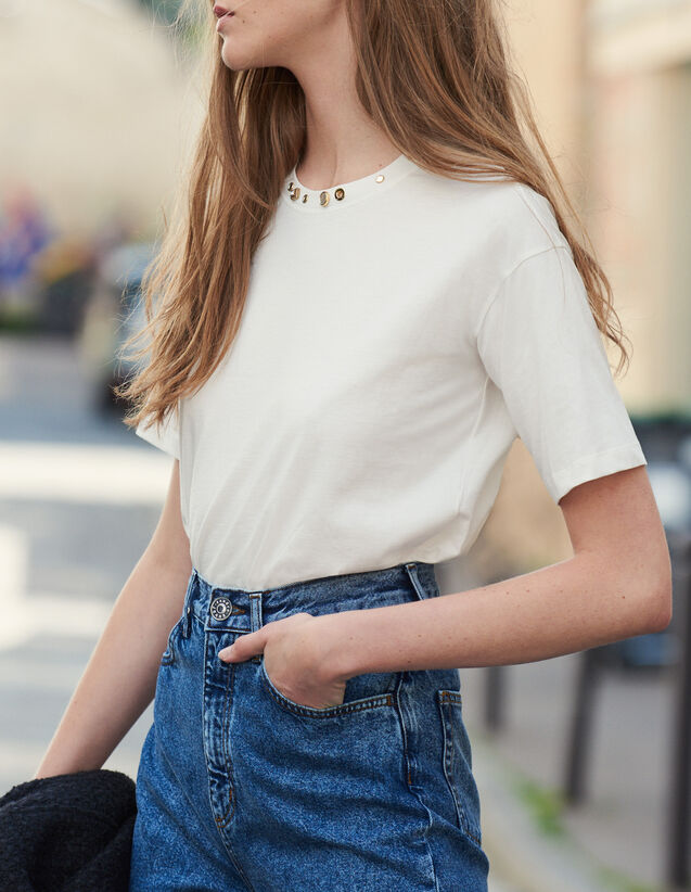 T-Shirt With Studs On The Collar : New In color Ecru